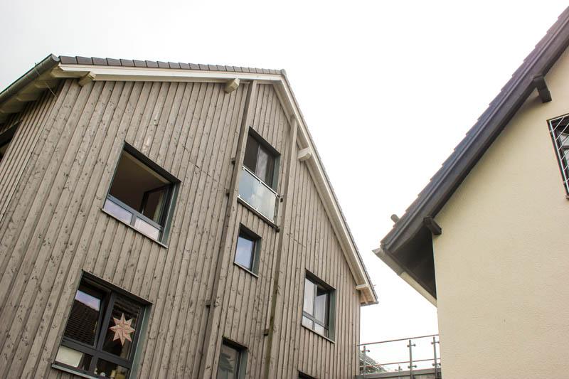 Haus-auf-der-Hardt-Pflege-Startseite-Bilder-1-Haus-Himmel-Fenster-Wolken-Dienstleister-Betreutes-Wohnen-Therapie-Zentrum-Leistungen-Ambulant-Stationär